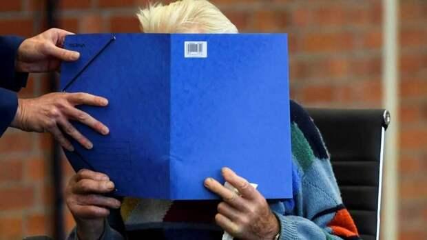 В Германии судят бывшего охранника концлагеря, которому 101 год, за соучастие в 3518 убийствах