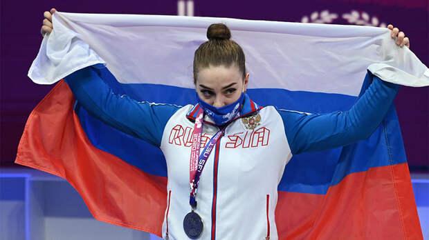 Штангистка Сотиева завоевала серебро на чемпионате Европы