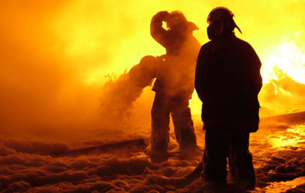 Очевидцы сняли видео пожара на газопроводе под Оренбургом