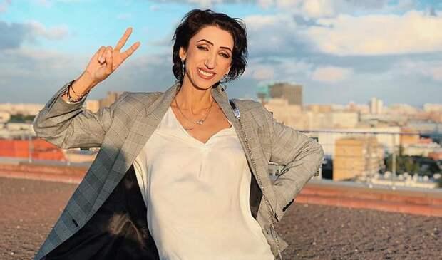 """Телеведущая Роза Сябитова резко высказалась о 51-летней блогерше за свадьбу с """"ребёнком"""""""