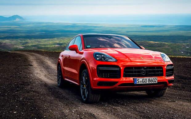 На новом Porsche на вулкан Козельский: доехали до середины