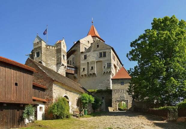 10 самых красивых замков Чехии