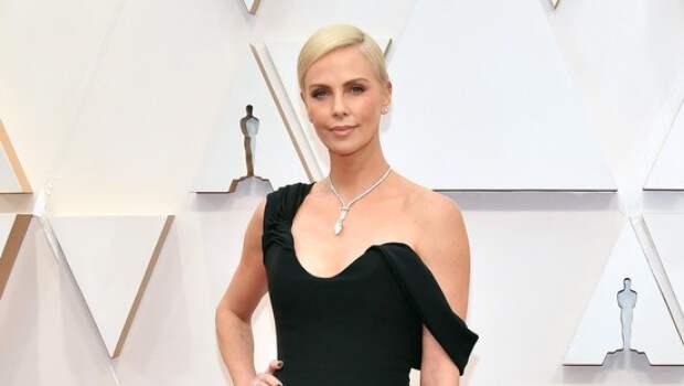 """Крупным планом: платье Шарлиз Терон на """"Оскаре-2020"""""""