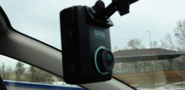 Обзор премиального видеорегистратора Vico-Opia 2