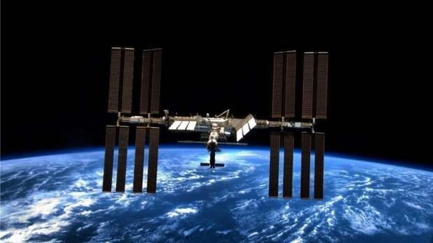 «Роскосмос» не изменил орбиту МКС во избежание столкновения со спутником США