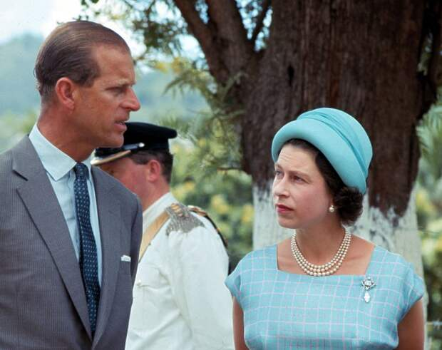 Принц Чарльз чуть не упал в обморок перед траурной церемонией