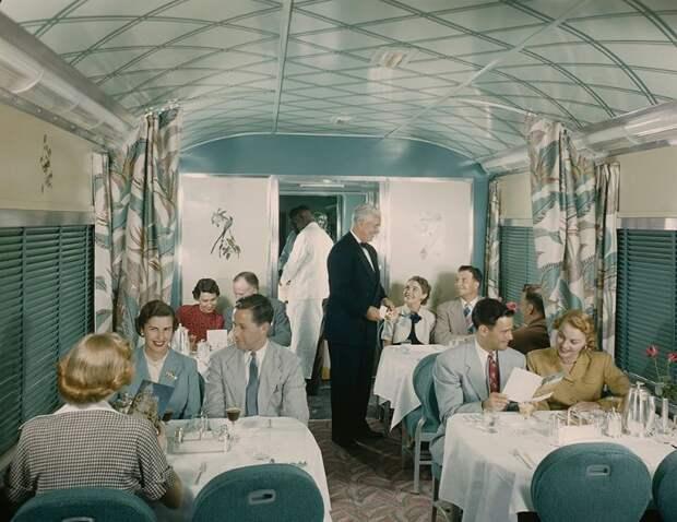 Уют и роскошь на рельсах: вот как путешествия на поезде в США выглядели в 1950‑е годы