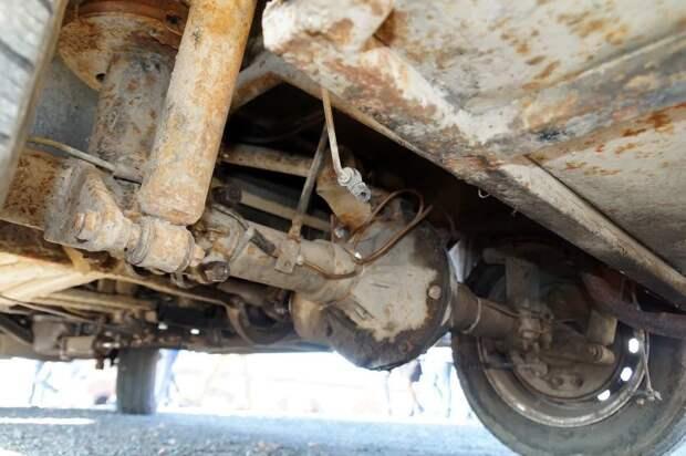 Задняя ведущая ось — комбинация элементов от ГАЗ-21, УАЗа и трактора АКХ-60, авто, автобус, икарус, олдтаймер, ретро техника, самоделка, самодельный автомобиль