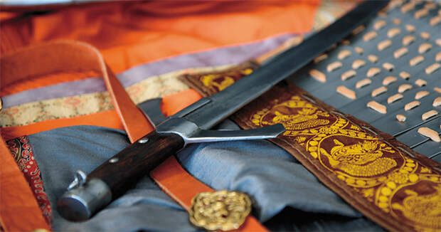 Реконструированная сабля монгольского времени, XIII в. Фото С. Борисенко