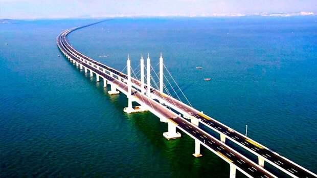В Киеве объяснили, почему Москва может отдать половину Крымского моста Украине