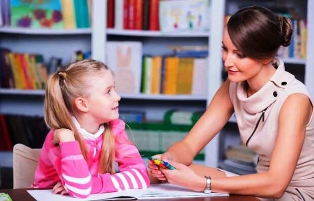 Хвалить ребенка необходимо даже за маленькие успехи/Fotobank