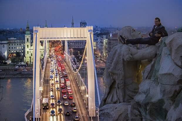 Рискнуть жизнью ради фотографий: 25 великолепных снимков Будапешта свысоты