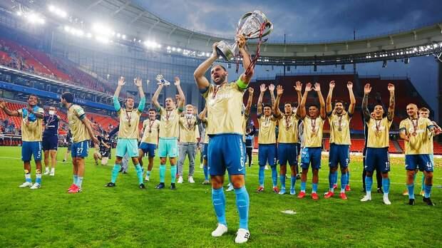 Фанаты прощались с Ивановичем, сам серб ломал Кубок, а Юран рассуждал о судействе. Как «Зенит» делал золотой дубль