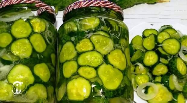 Огурцы сырые без варки: 30 банок не хватает на зиму. Хрустящий салат из свежих огурцов