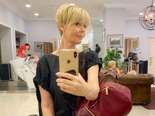 Юлия Меньшова показала в Instagram располневшую Олесю Железняк
