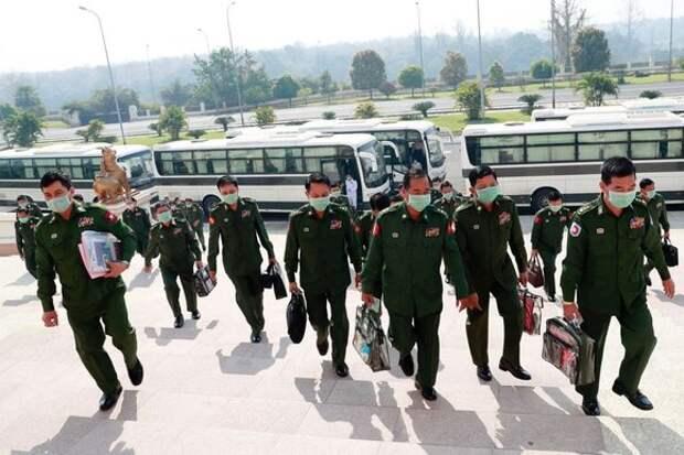США призвали военных в Мьянме отпустить задержанных руководителей страны