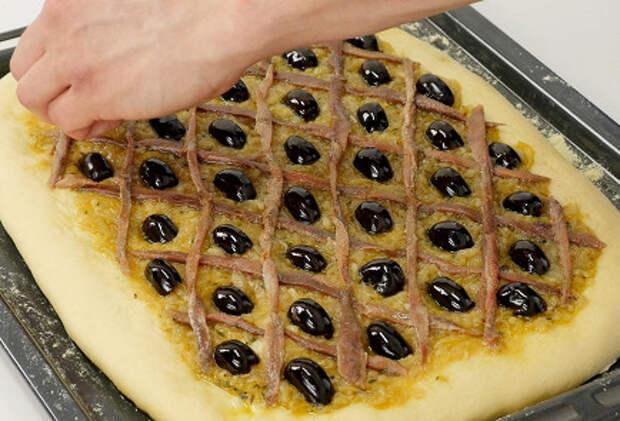 Фото приготовления рецепта: Писсаладьер - шаг 4