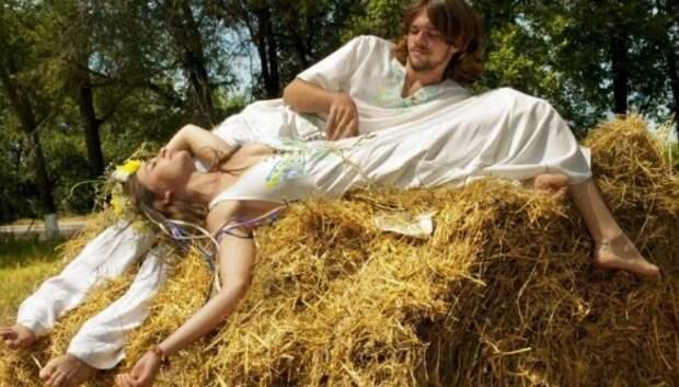 Почему на Руси женщинам запрещали спать голышом