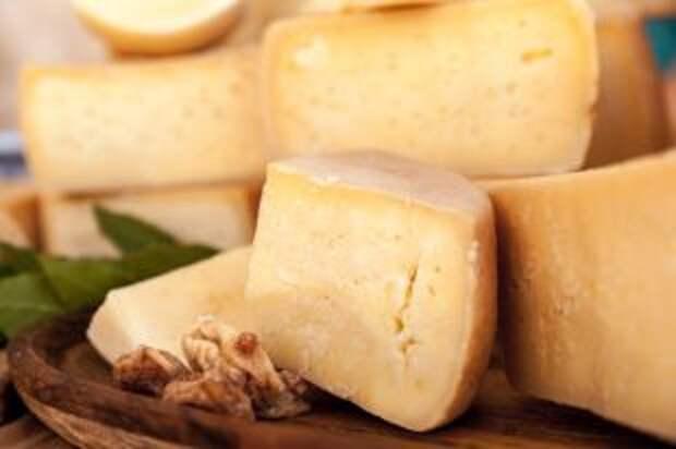 Безотходная кулинария. Три способа спасти засохший сыр