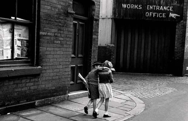 Улицами старого Лондона: Документальные фотографии британского уличного фотографа Колин О'Брайен