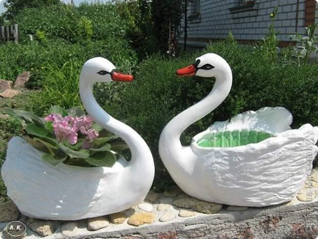Лебедь-кашпо из пластиковой бутылки. Садовая скульптура
