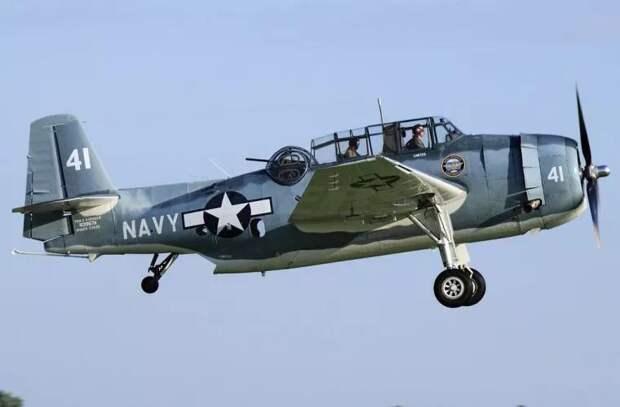 На пляж Флориды сел самолет из 1945 года