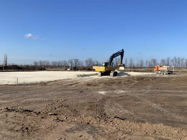 На окраине Симферополя началось строительство логистического комплекса