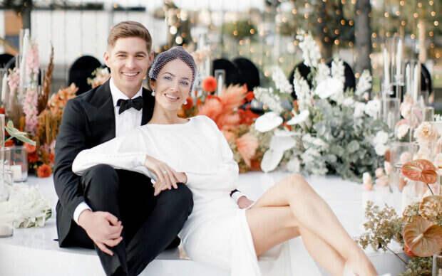 """Ведущий шоу """"Маска"""" Остапчук после развода похвастался идиллией с новой женой-красоткой: """"Шикарные"""""""