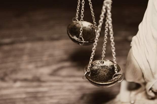 Житель Сарапула получил 8 лет строгого режима за ограбление ломбарда