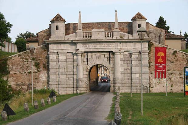 Итальянское чудо:  Пальманова, симметричный город-крепость в Италии