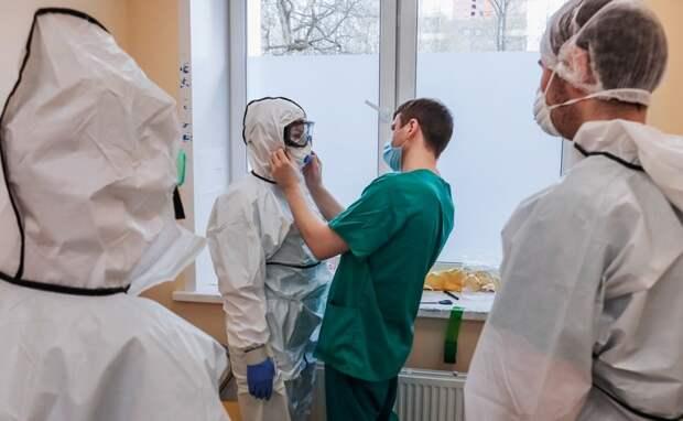 Простая история: учились два студента-медика - отличник-врач, двоечник-чиновник минздрава