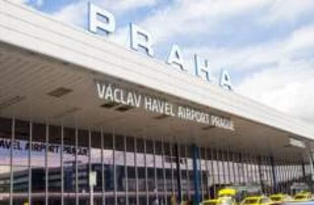 Массовая отмена рейсов в Чехию