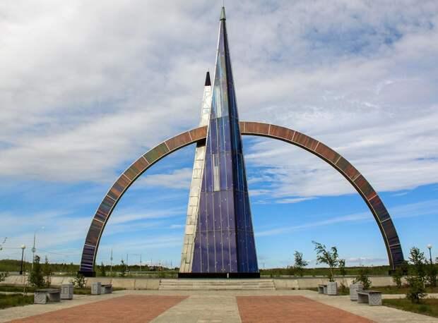 Как живет единственный в мире город, через который проходит Полярный круг