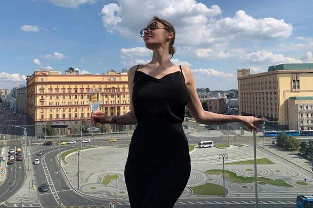«Ктотутнастоящий батька?»: Водонаева савтоматом спародировала Лукашенко