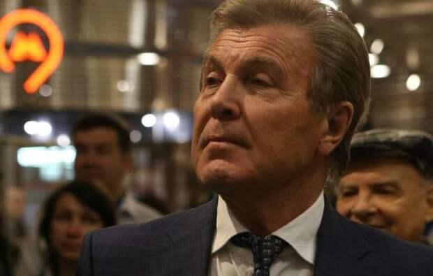 Директор Лещенко объяснил, почему зараженный COVID-19 певец не отправился на карантин