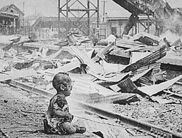 Железнодорожный вокзал Шанхая после японской бомбардировки / ©Wikipedia