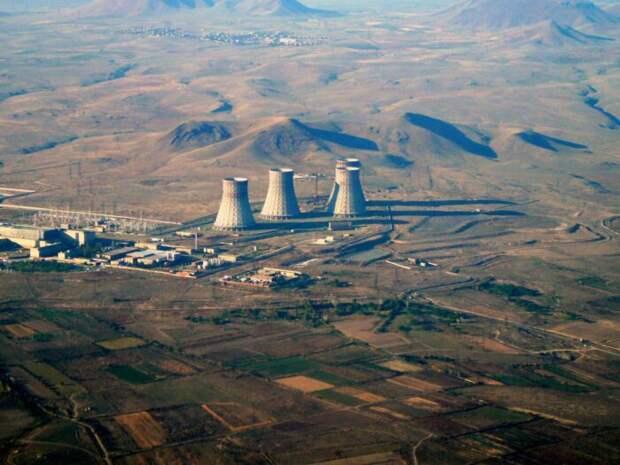 Азербайджан произвел 2 ракетных пуска по АЭС в Армении