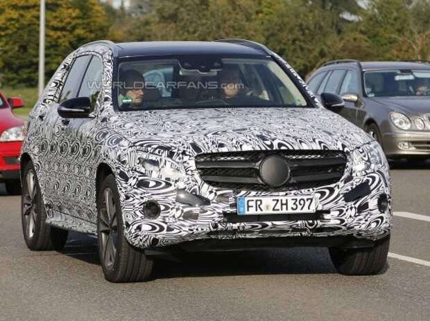 Новый кроссовер Mercedes-Benz GLK снял тяжелую маскировку