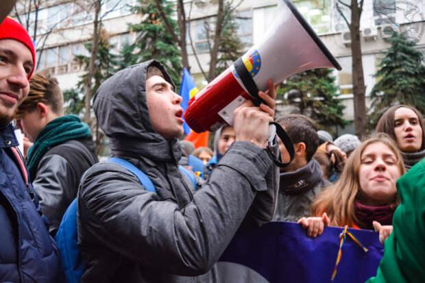 Полиция призывает граждан не выходить на незаконные акции
