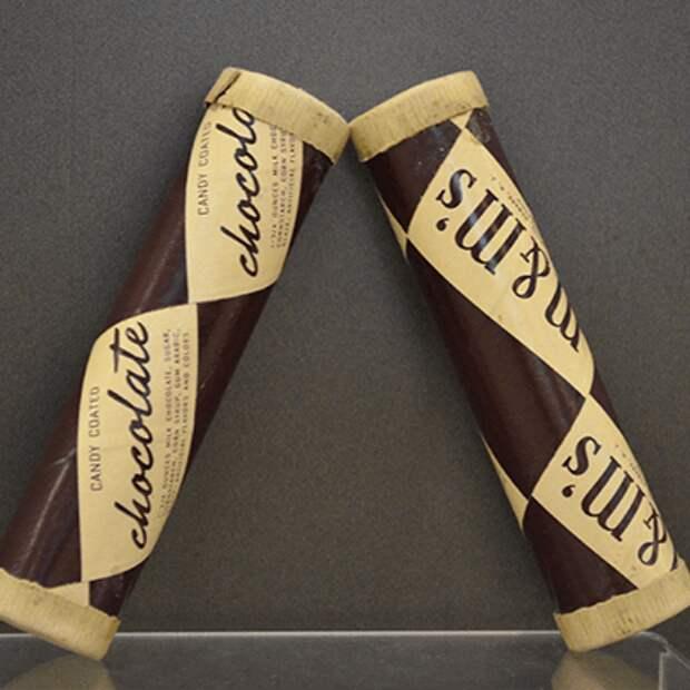 Как выглядели первые упаковки известных сладостей?
