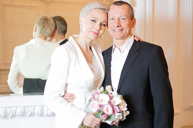 Актриса Дарья Повереннова вышла замуж за миллионера после восьми лет отношений