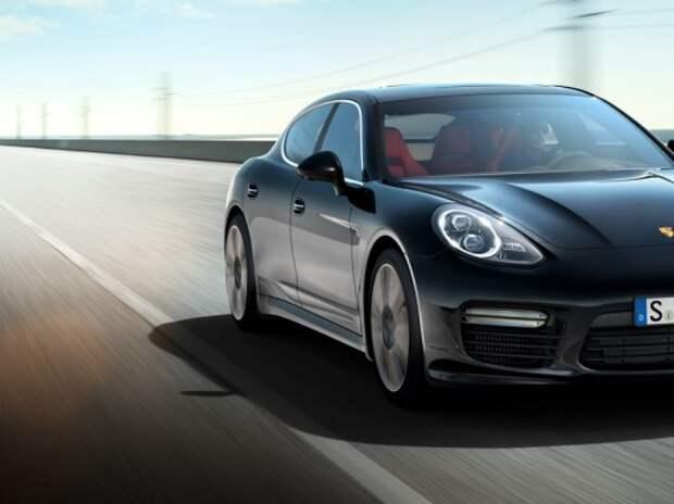 Жительница Подмосковья требует 100 миллионов за ущерб от сгоревшей Porsche Panamera