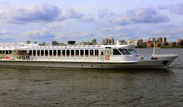 Ушло врейс первое вРоссии пассажирское судно наСПГ
