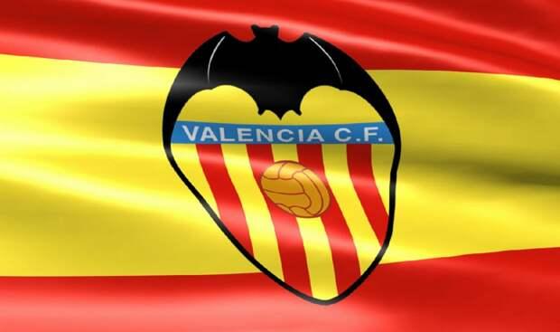 Футбольный клуб «Валенсия» установил статую своего верного фаната