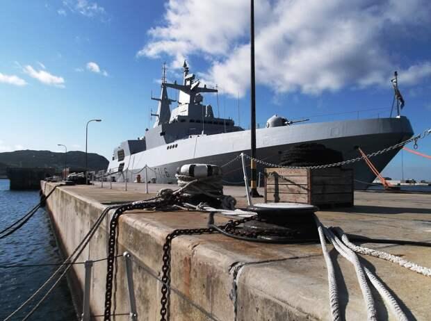 Двум российским кораблям запретили зайти в испанский порт