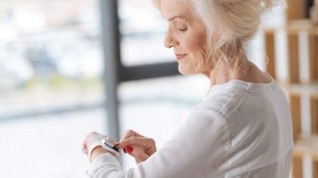 В России пациенты будут носить «умные» браслеты, контролирующие их состояние здоровья