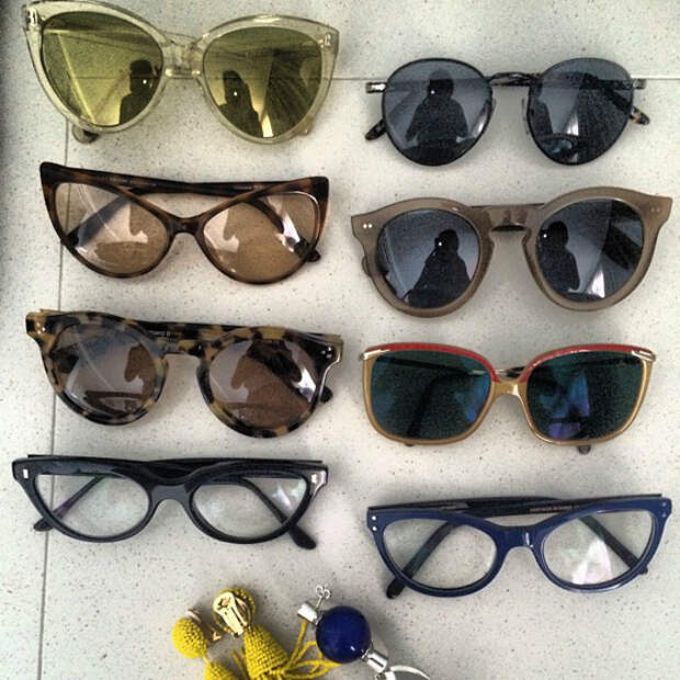 Старые солнцезащитные очки.