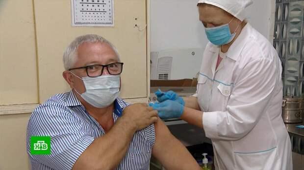 Десятки предприятий в Москве организовали процесс вакцинации на производстве