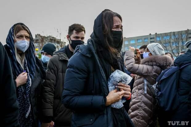 Пропорция тех и других определяет траекторию движения России...