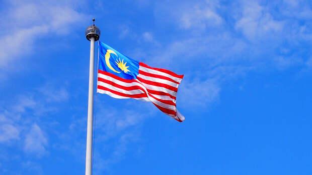 В Малайзии 40 медиков заразились коронавирусом после полной вакцинации